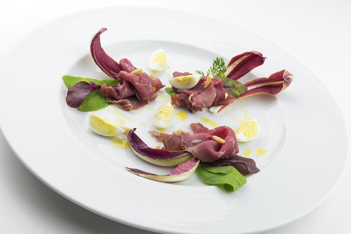 carpaccio-celtico-pinoli-tostati-e-uova-di-quaglia
